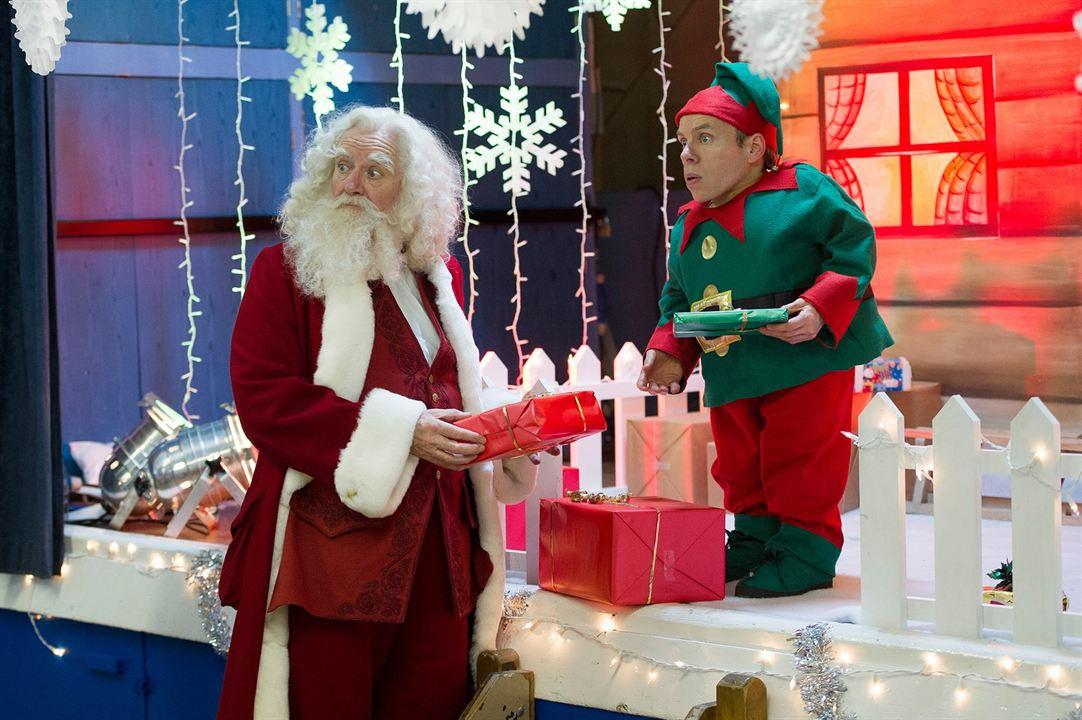 Que Fim Levou Papai Noel? : Foto Jim Broadbent, Warwick Davis