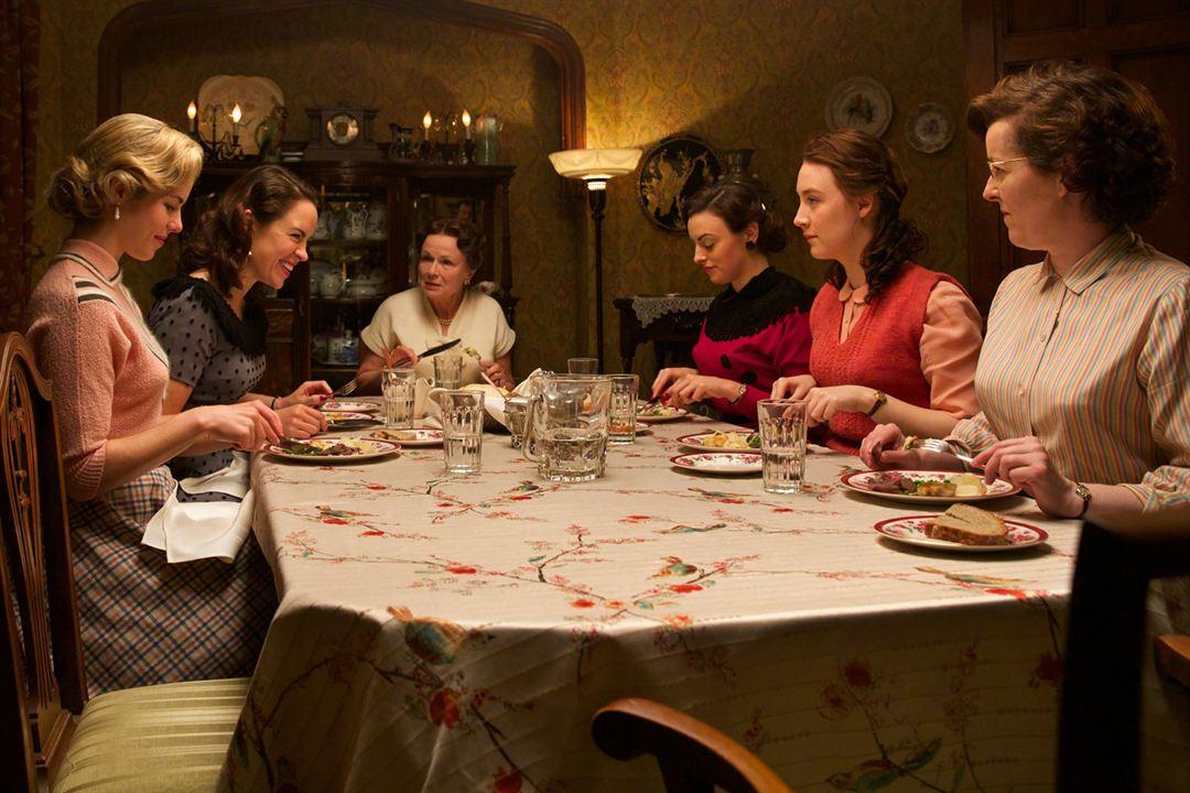 Brooklin : Foto Julie Walters, Saoirse Ronan
