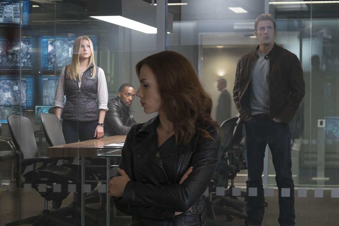 Capitão América: Guerra Civil: Scarlett Johansson, Chris Evans, Anthony Mackie, Emily VanCamp