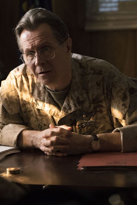 Man Down: O Terror da Guerra : Foto Gary Oldman