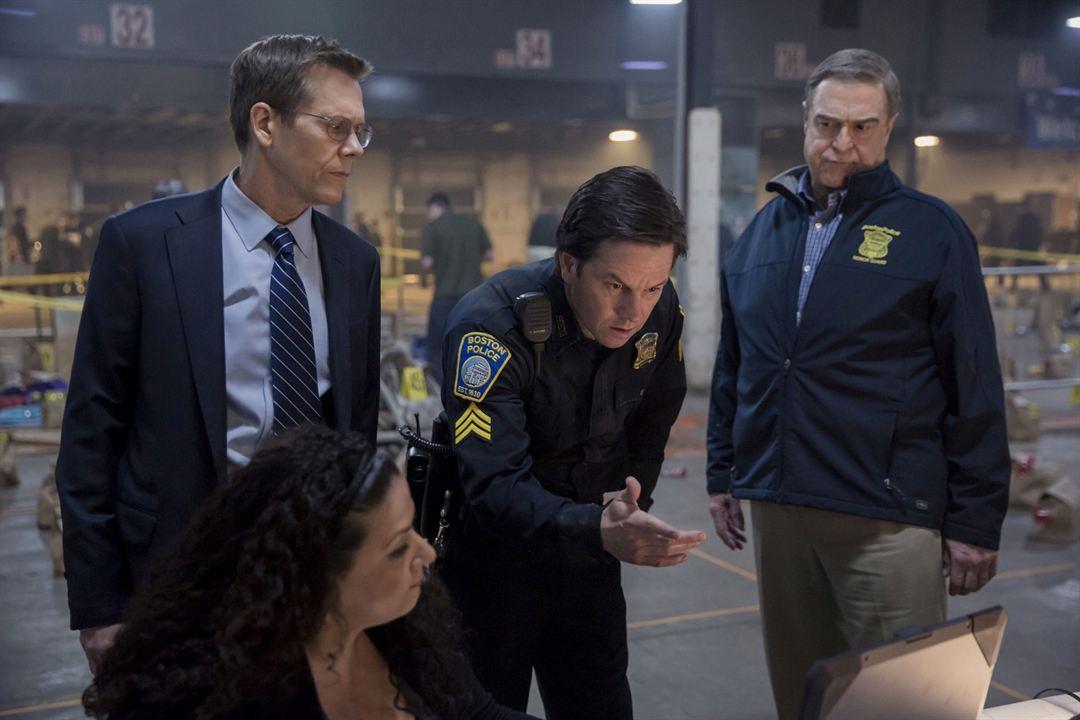 O Dia do Atentado : Foto John Goodman, Kevin Bacon, Mark Wahlberg