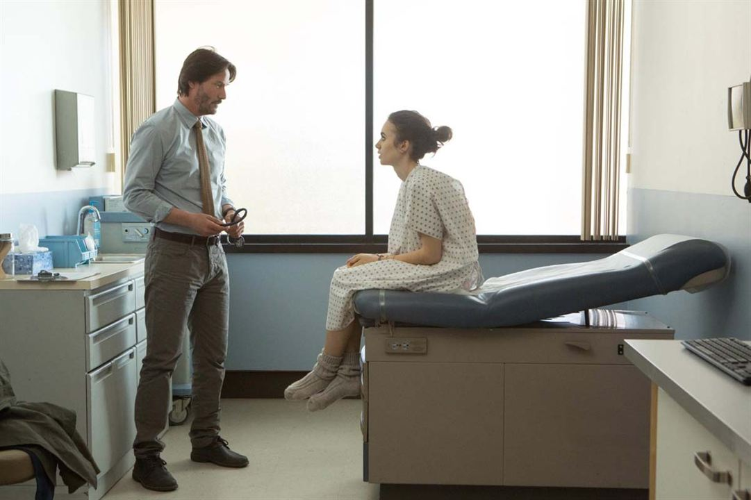 O Mínimo Para Viver : Foto Keanu Reeves, Lily Collins