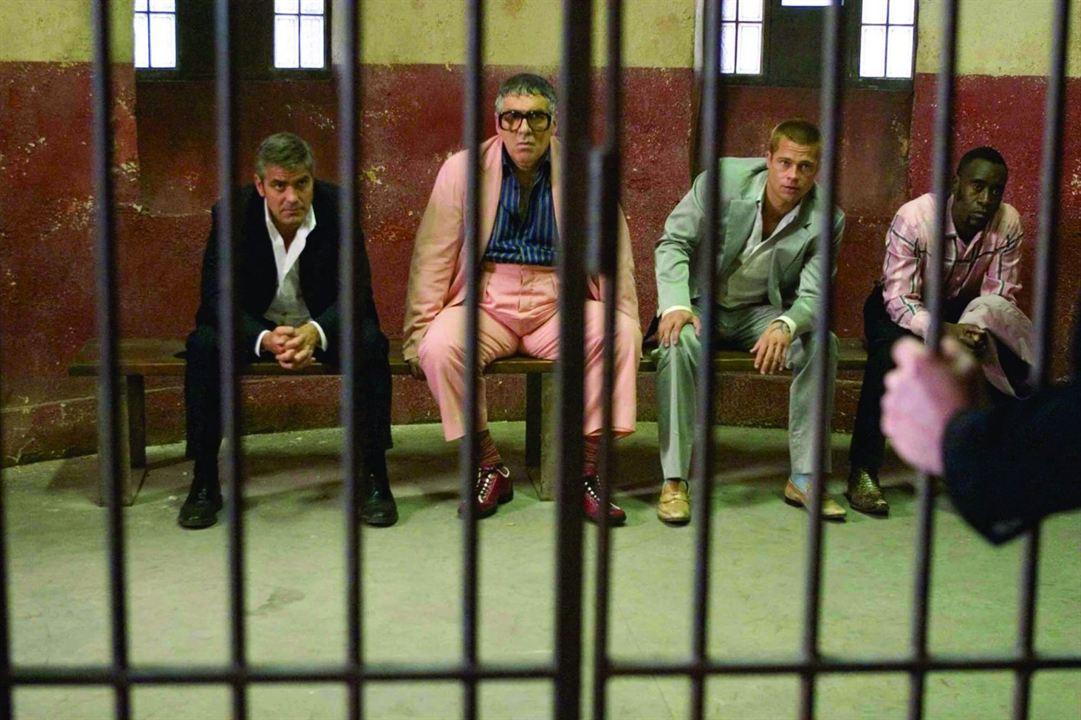 Doze Homens e Outro Segredo : Foto Brad Pitt, Don Cheadle, Elliott Gould, George Clooney