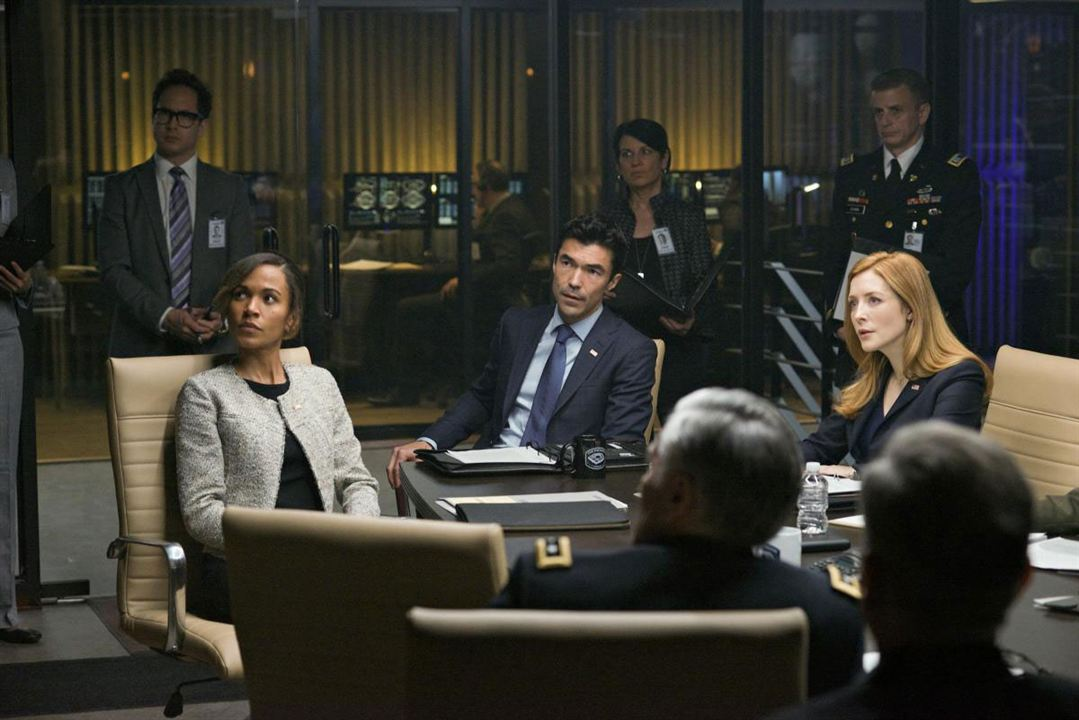 Foto Ian Anthony Dale, Jennifer Finnigan
