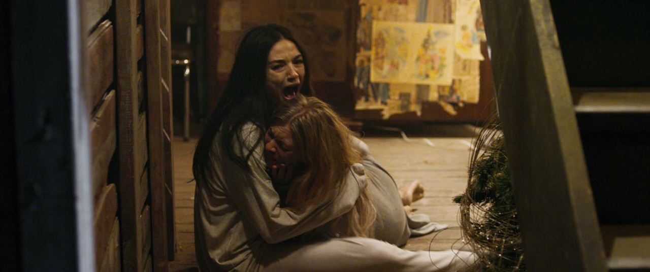 A Casa do Medo - Incidente em Ghostland : Foto Anastasia Phillips, Crystal Reed