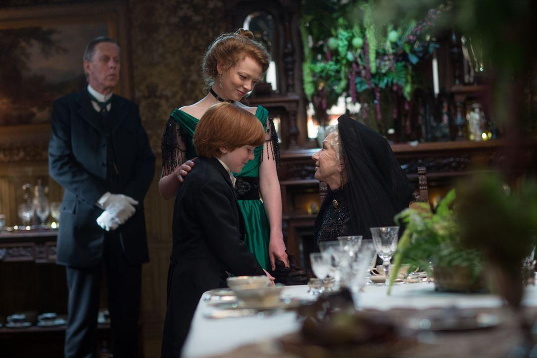 A Maldição da Casa Winchester : Foto Helen Mirren, Sarah Snook