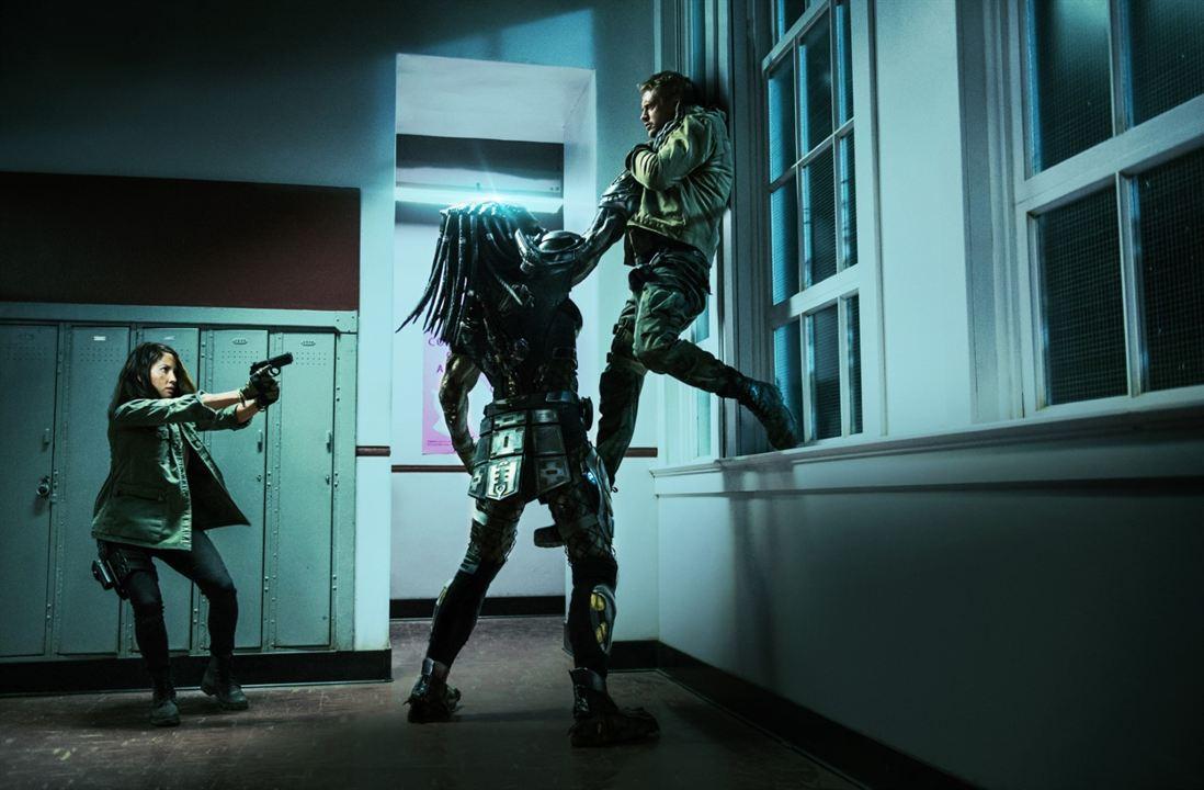 O Predador : Foto Boyd Holbrook, Olivia Munn