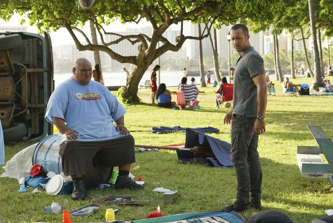 Foto Alex O'Loughlin, Taylor Wily