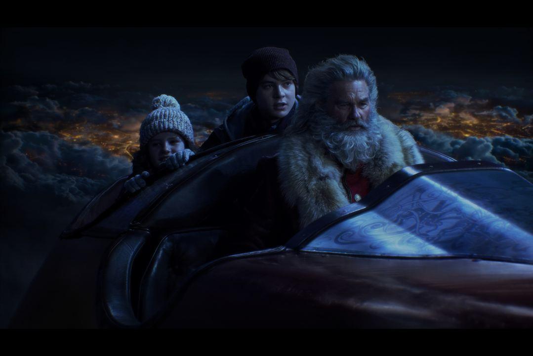 Crônicas de Natal: Judah Lewis, Darby Camp, Kurt Russell