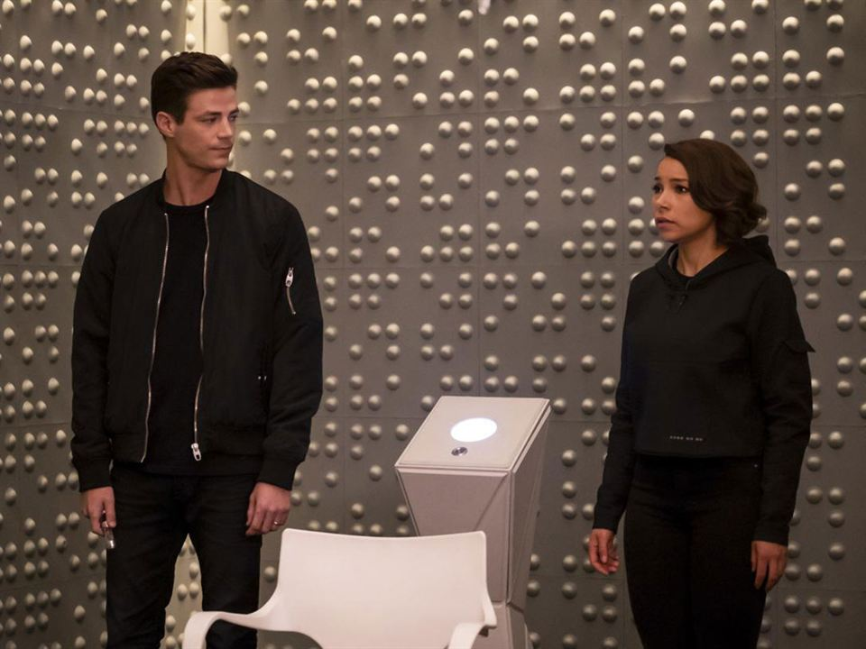 Foto Grant Gustin, Jessica Parker Kennedy