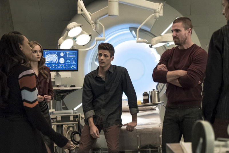 Foto Candice Patton, Danielle Panabaker, Grant Gustin, Stephen Amell