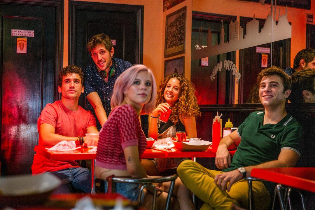 ¿A quién te llevarías a una isla desierta? : Foto Andrea Ros, Jaime Lorente, María Pedraza, Pol Monen