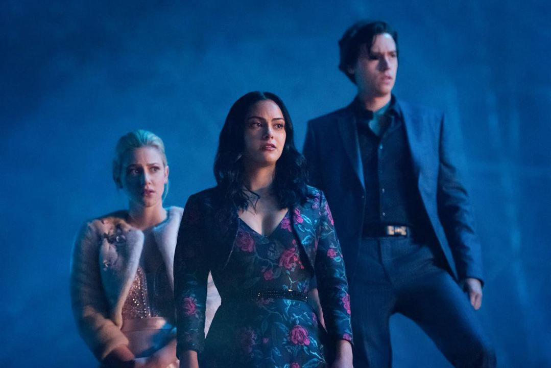 Foto Camila Mendes, Cole Sprouse, Lili Reinhart