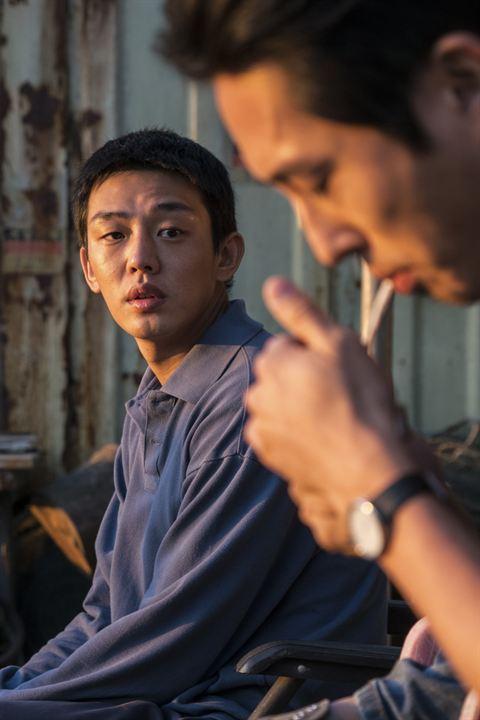 Em Chamas : Foto Steven Yeun, Yoo Ah-In