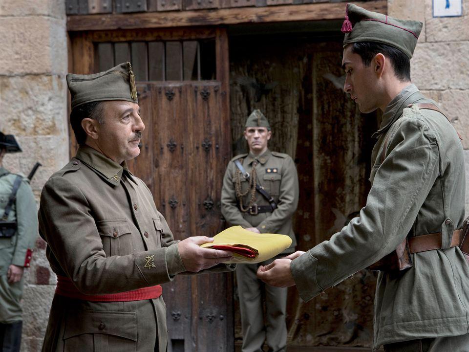 While at War : Foto Eduard Fernández