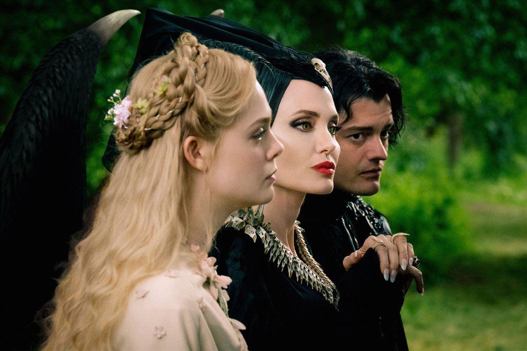 Malévola - Dona do Mal : Foto Angelina Jolie, Elle Fanning, Sam Riley