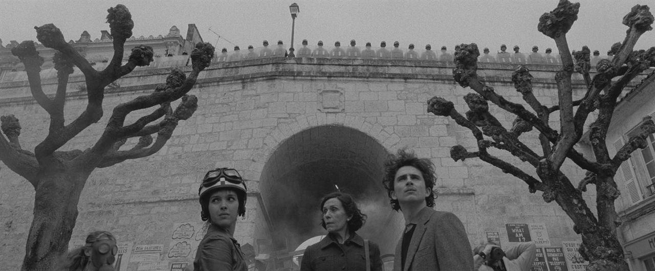 The French Dispatch: Timothée Chalamet, Frances McDormand, Lyna Khoudri
