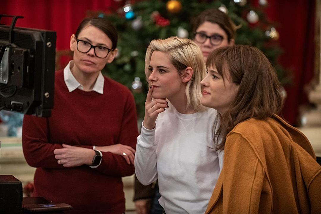 Alguém Avisa?: Clea DuVall, Mackenzie Davis, Kristen Stewart