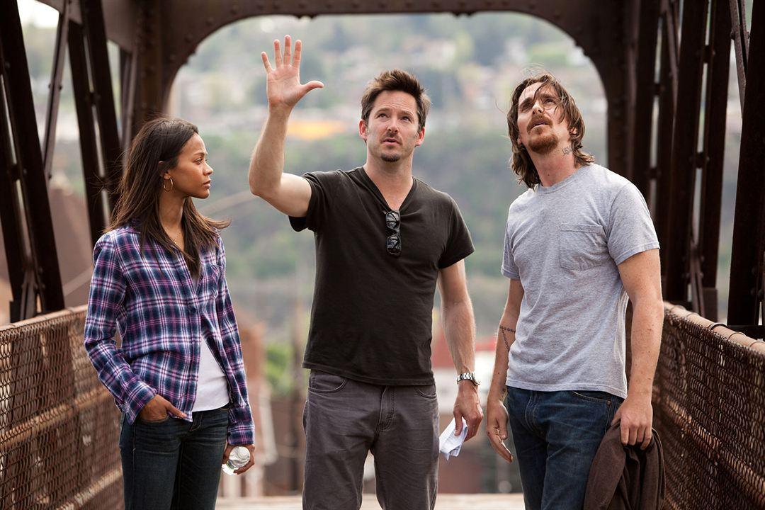 Tudo por Justiça : Foto Christian Bale, Scott Cooper, Zoe Saldana