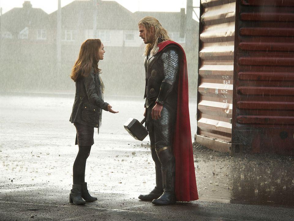 Thor: O Mundo Sombrio : Foto Chris Hemsworth, Natalie Portman