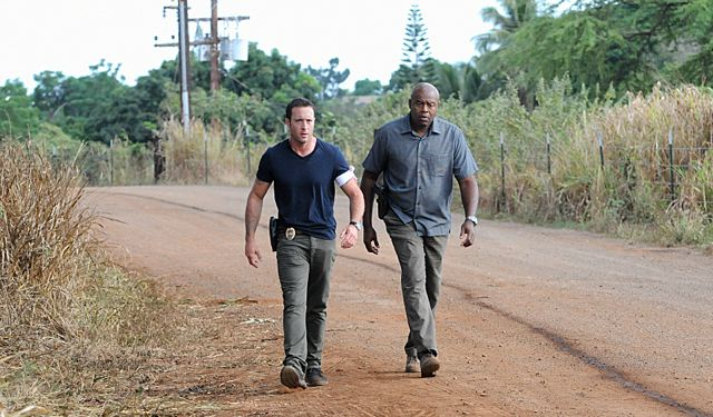 Foto Alex O'Loughlin, Chi McBride