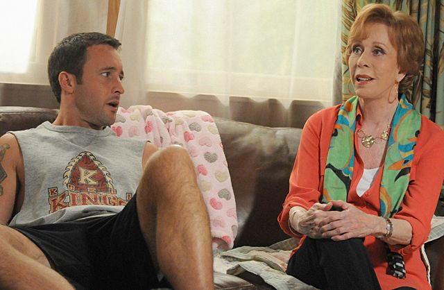 Foto Alex O'Loughlin, Carol Burnett