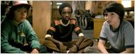Stranger Things: Primeira foto da nova temporada mostra os protagonistas vestidos de Caça-Fantasmas