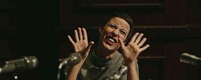 Na pele da maior cantora do Brasil, Andreia Horta canta, encanta e faz barraco no primeiro trailer de Elis