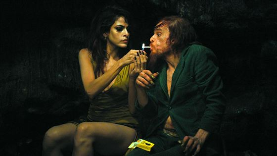 Foto - FILM - Holy motors : 195032