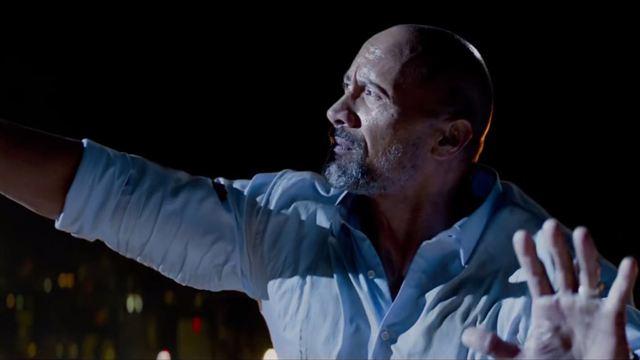 Arranha-Céu: Coragem Sem Limite Trailer Legendado