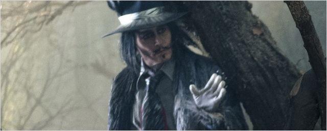 Disney divulga imagens de Caminhos da Floresta, musical estrelado por Johnny Depp e Meryl Streep