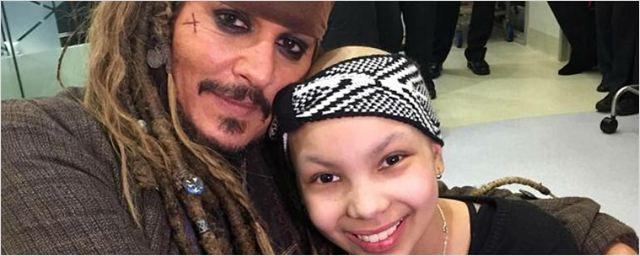 Johnny Depp visita hospital infantil vestido de Jack Sparrow