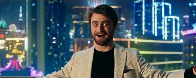 Daniel Radcliffe faz papel de trouxa no primeiro vídeo de Truque de Mestre 2