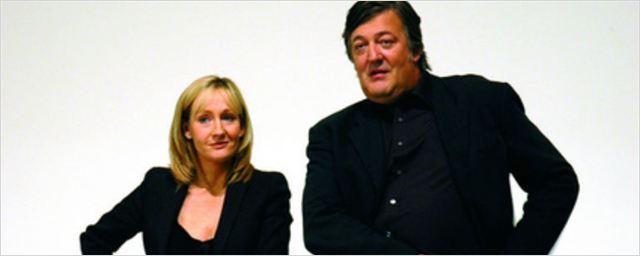 """Como J.K. Rowling """"deu o troco"""" ao narrador dos livros de Harry Potter, Stephen Fry"""
