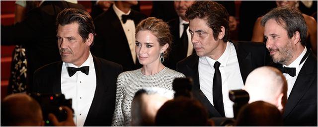 Sicario 2 é confirmado pelos produtores e terá o retorno de Emily Blunt, Josh Brolin e Benicio Del Toro