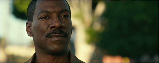 Eddie Murphy é um homem sério no trailer de Mr. Church