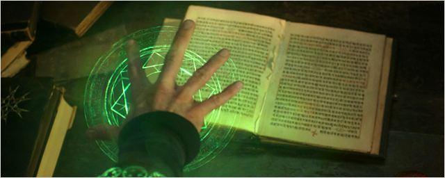 Magia e universos paralelos em novas imagens de Doutor Estranho