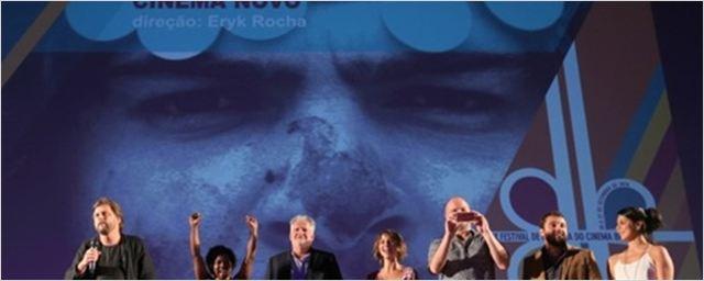 Festival de Brasília 2016: Abertura traz reverência ao passado aos gritos de 'fora Temer'