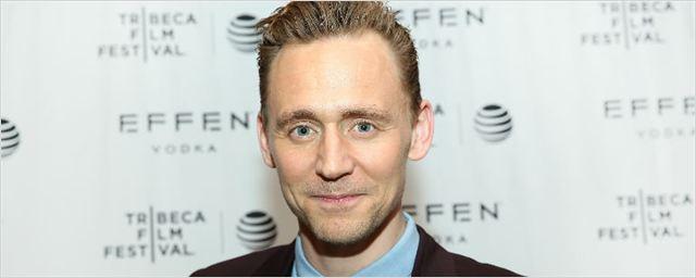 Tom Hiddleston será rival de Eddie Redmayne na animação Early Man