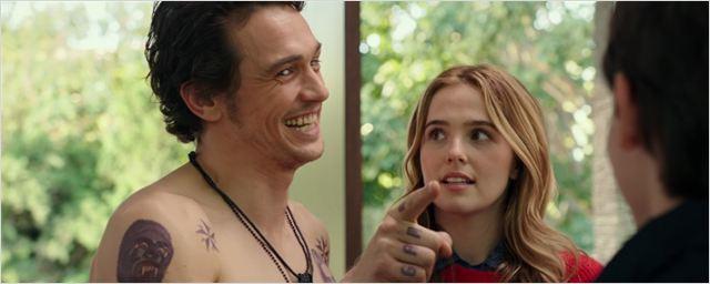 """James Franco """"sem filtro"""" acaba com o Natal de Bryan Cranston no trailer para maiores da comédia Tinha Que Ser Ele?"""