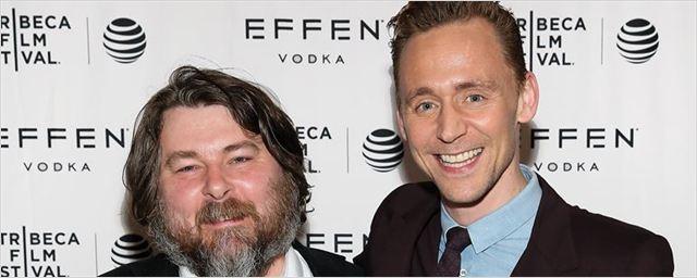 Warner planeja reunir Tom Hiddleston e o diretor de High-Rise em adaptação de graphic novel de Frank Miller