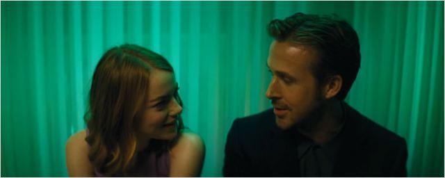 Emma Stone e Ryan Gosling soltam a voz em cena de La La Land - Cantando Estações