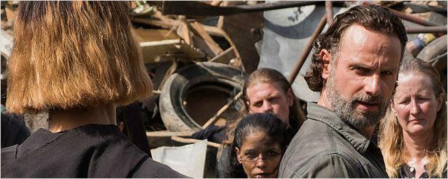 The Walking Dead: Imagem oficial revela nova personagem — quem será?!
