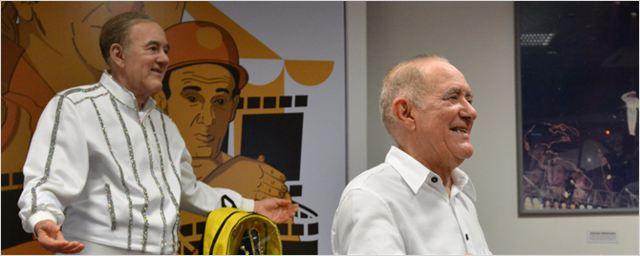 Renato Aragão é homenageado com estátua de cera em exposição