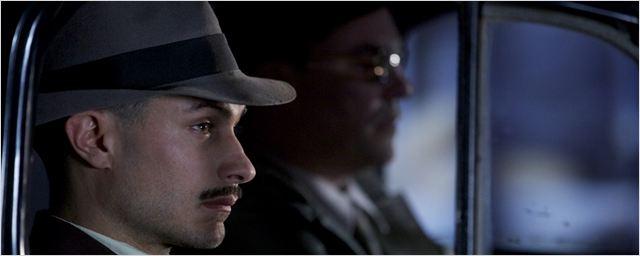 Neruda, com Gael García Bernal, estreia em formato de minissérie no Brasil em maio