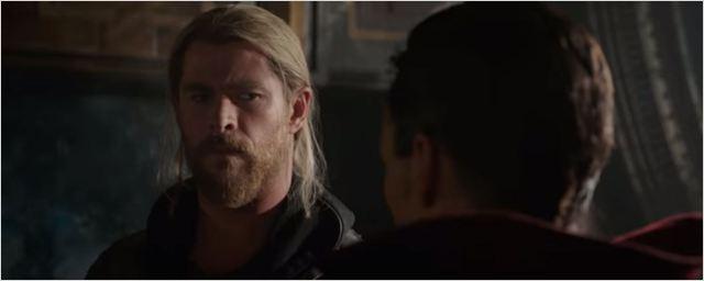 Doutor Estranho dá as caras em trailer internacional de Thor: Ragnarok