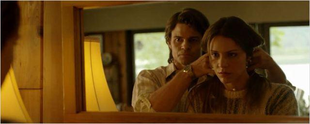 Katharine McPhee e Daniel Gillies contam uma bizarra história real no trailer de The Lost Wife of Robert Durst