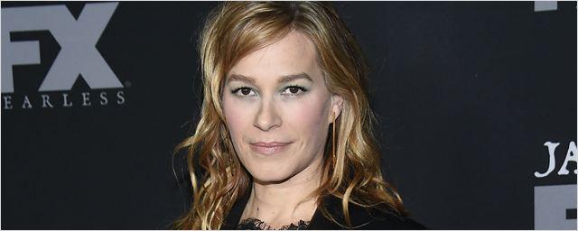 Claws: Atriz de A Identidade Bourne entra para o elenco da série de Rashida Jones