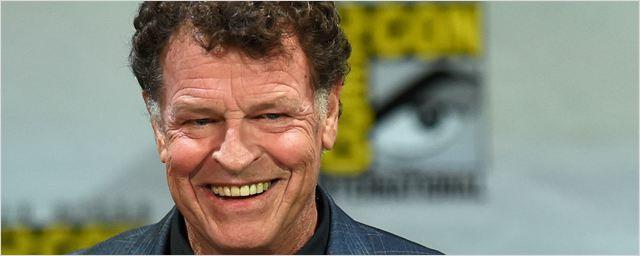 Legends of Tomorrow: John Noble, de Fringe e O Senhor dos Anéis, vai aparecer como ele mesmo na série