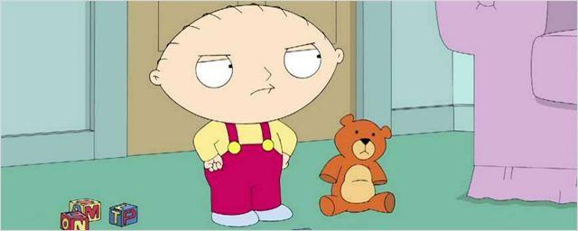 Uma Família da Pesada vai retratar sexualidade de Stewie em episódio com participação de Ian McKellen